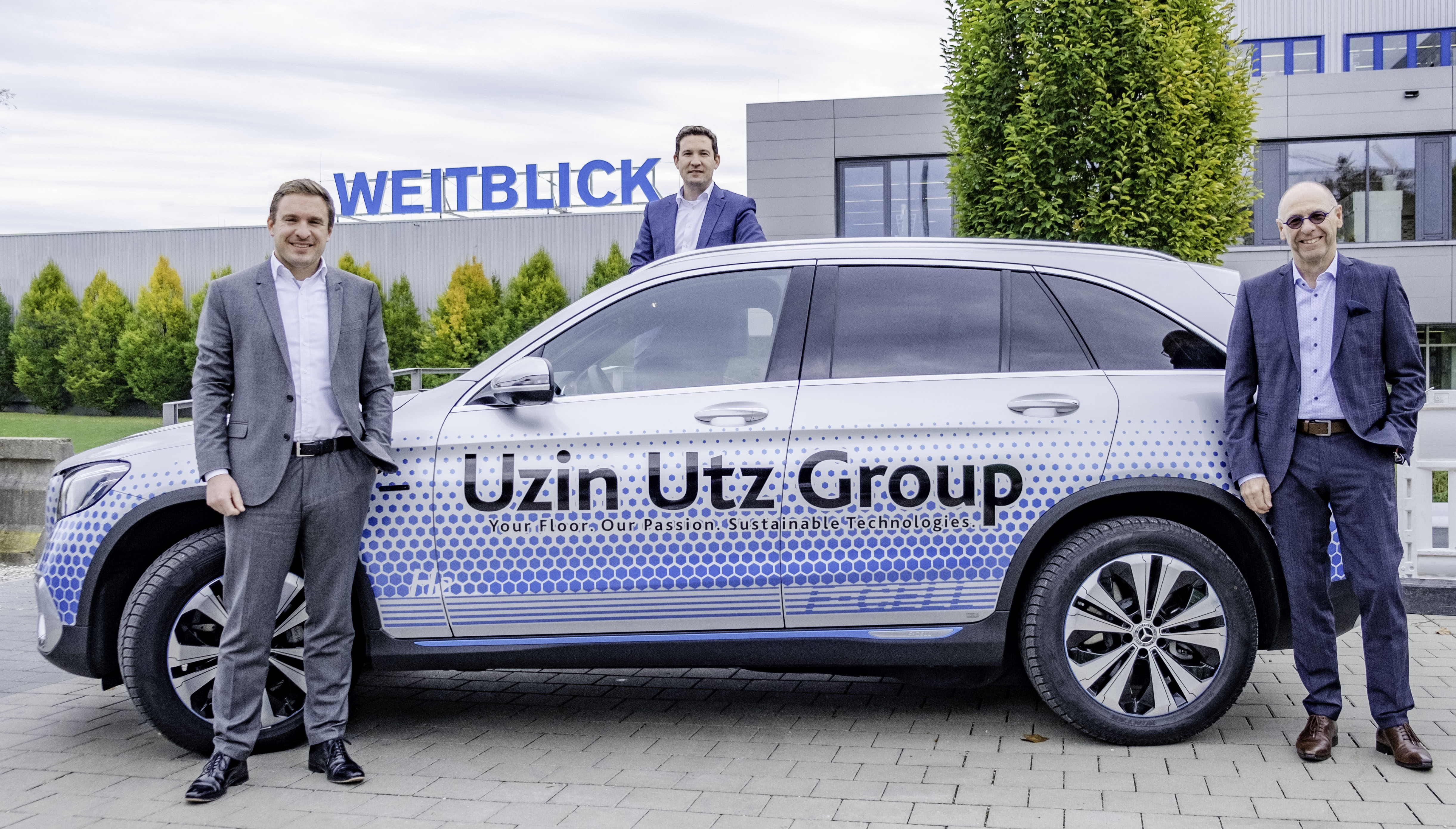 New climate-neutral company car with fuel cell and battery drive in the fleet of Uzin Utz